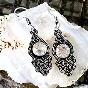Jewelry - NEW White topaz boho earrings